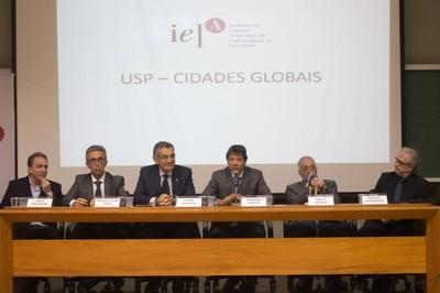 Fabio Feldmann, Wilson Jacob Filho, Vahan Agopyan, Fernando Haddad, Paulo Saldiva and Marcos Buckeridge