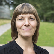 Lena Bering - Perfil
