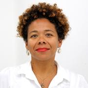Luciana Cruz Brito - Perfil