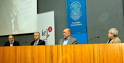A partir da esq.: Ary Plonski,  Alberto Pfeifer, Wanderley Messias da Cosa e Rafael Duarte Villa
