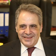 Carlos Oliveira - Perfil