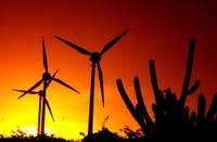 Cata-ventos de usinas geradoras de energia eólica, Fortaleza (CE).