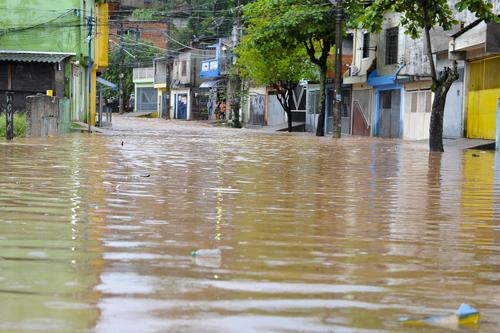 Enchente na Zona Leste de São Paulo