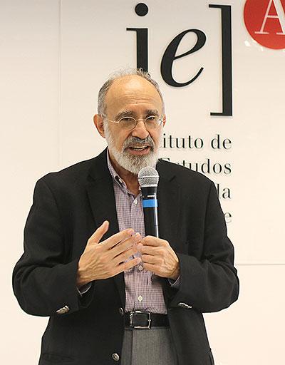 Guilherme Ary Plonski, vice-diretor do IEA