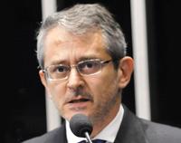 Home 3 - Otávio Frias Filho
