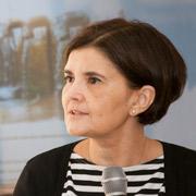 Maria Carmen Lemos