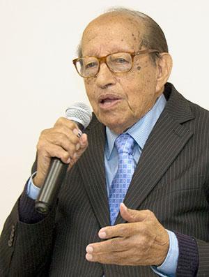 Milton Thiago de Mello
