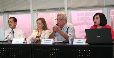 Participantes da mesa-redonda Fabricação, Falsificação e Plágio nas Ciências e Humanidades