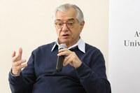 Professor senior - José Álvaro Moisés
