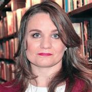 Renata Frade - Perfil