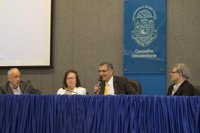 Mesa de abertura da entrega do título de Professor Emérito da USP ao professor José Teixeira Coelho