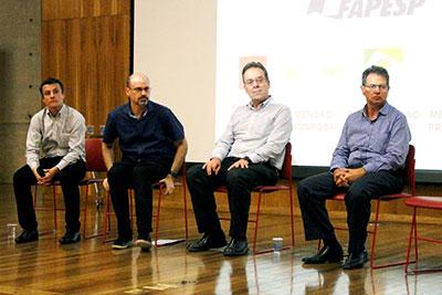 Workshop Cidades Inteligentes - Painel 2 -  A partir da esq.: Roberto Speicys, Fágio Kon, Claudio Barbieri da Cunha e Miguel Bucalem