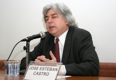 José Esteban Castro