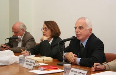 Luiz Carlos Bresser-Pereira, Laura Greenhalgh e Samuel Pinheiro Guimarães
