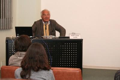 Pier Luigi Luisi inicia sua apresentação