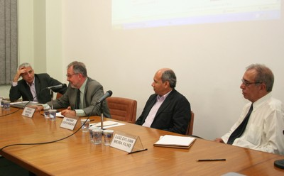 José Eli da Veiga, Sergio Barbosa Serra, Wagner Costa Ribeiro e Luiz Gylvan Meira Filho