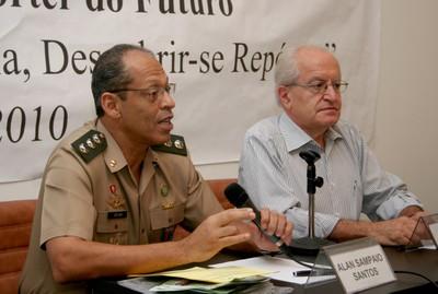 Alan Sampaio Santos e César Ades