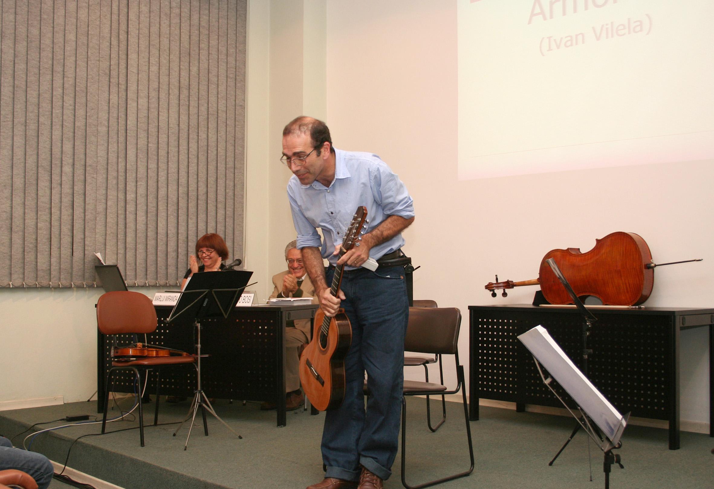 Ivan Vilela finaliza agradece ao público