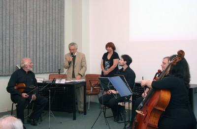 Alfredo Bosi agradece a presentação do Quarteto Athena