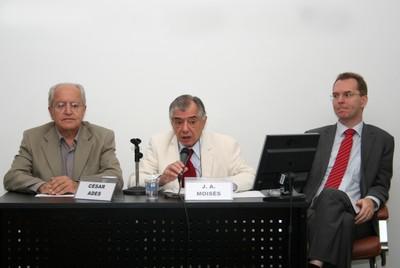 César Ades, José Álvaro Moisés e Peter Fisher-Bollin