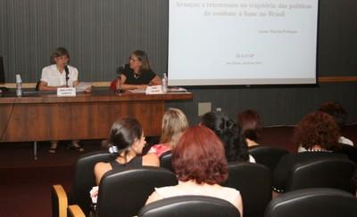 Ana Lydia Sawaya e Anna Peliano na abertura do evento