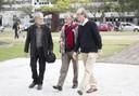 Massimo Canevacci, Derrick Claude Frederic de Kerckhove e Martin Grossmann chegam ao local do evento