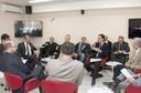 Debatedores atentos à fala de Paulo Cesena