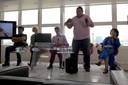 Kleber Rodrigues Meritororeu durante a apresentação do canto Bororo