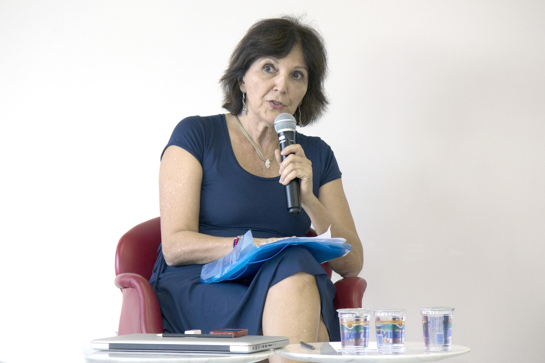 Estela Neves