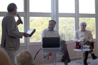 Martin Grossmann abre o evento e apresenta o expositor