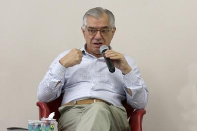 José Álvaro Moisés encerra o evento e agradece aos participantes