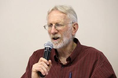 Robert Moog responde as perguntas durante o debate - (03/12/2015 - tarde)