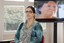 Marcia Tait inicia sua apresentação com testemunhos em vídeo