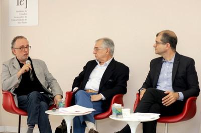 Marco Aurélio Nogueira, José Álvaro Moisés e Ricardo Gandour