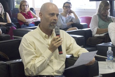 Marcos Nogueira Martins fala durante o debate