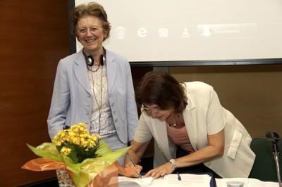 Marie-Françoise Chevallier-Le Guyader e Maria Cristina Motta de Toledo Assinam Convênio entre IHEST e EACH - 07/04/2016