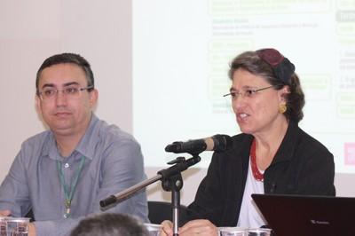 Ana Lydia Sawaya  apresenta Odair Augusto Junior