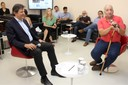 Paulo Saldiva abre o evento e explica a dinâmica do debate