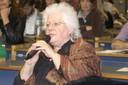 Participante do público fala durante o debate
