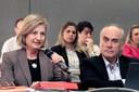 Paulina do Carmo Arruda Vieira Duarte fala durante o debate