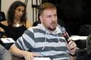 Rodrigo Fernandes Paes faz perguntas ao expositor