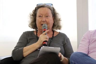 Flávia Schilling