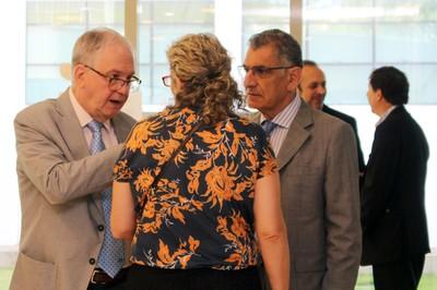 O Reitor Marco Antonio Zago, Silvia Bonassa e vice-reitor Vahan Agopyan