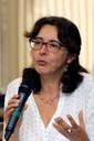 Viviana Bosi faz perguntas aos expositores