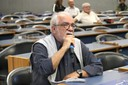 Luiz Carlos Meneses faz pergunta aos expositores