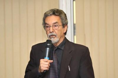 Nilson José Machado encerra as exposições