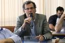 Clodoaldo Grotta Ragazzo faz perguntas durante o debate