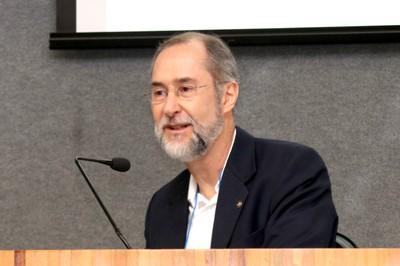 Antônio Mauro Saraiva faz a abertura do evento