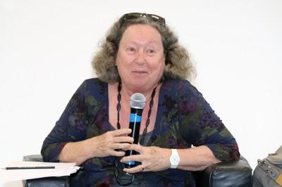 Flavia Schilling abre o evento