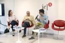 Anja Mihr, José Alvaro Moisés e Adrian Albala